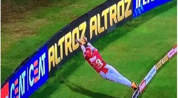 IPL : അത്ഭുതകരമായ സേവിംഗുമായി നിക്കോളാസ് ; വിശ്വസിക്കാനാവാതെ താരങ്ങള് !